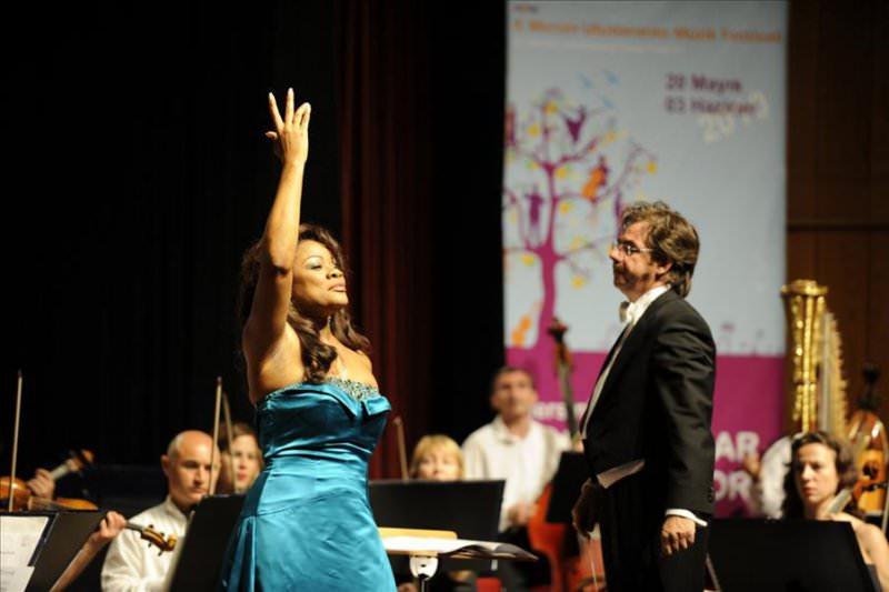 Operanın Divası Mersin'den Geçti