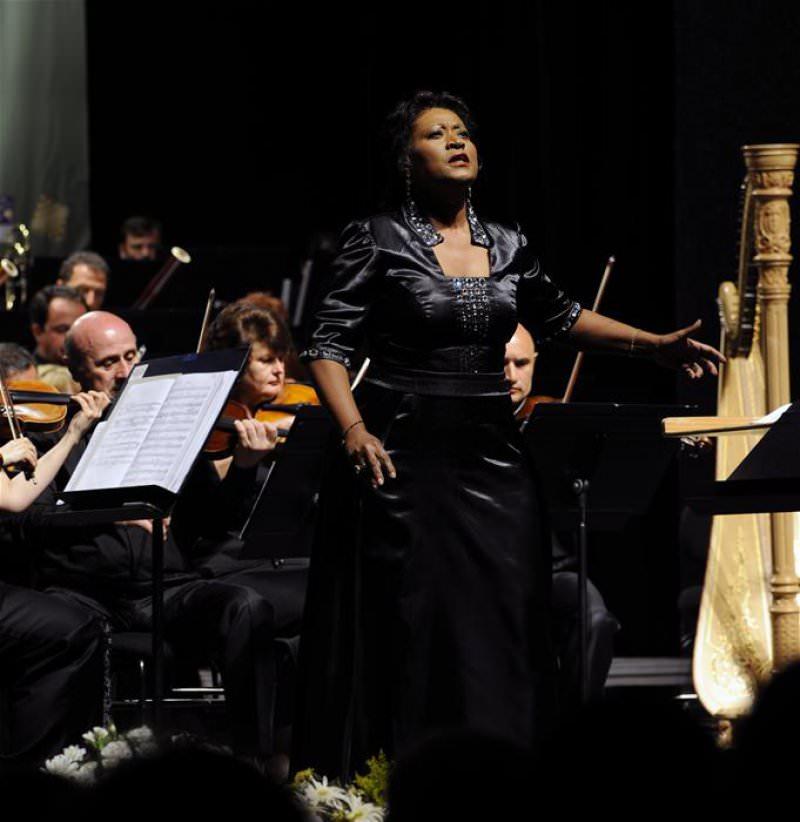 Operanın Divası Michele CRIDER İle Muhteşem Kapanış