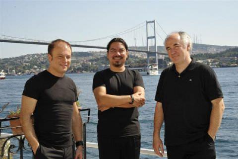 Arkas Trio'nun Mersin Çıkartması
