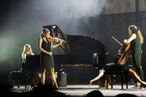 """Bir Konserden Daha Fazlası; Mersin'de """"Salut Salon Quartet"""" Rüzgarı"""