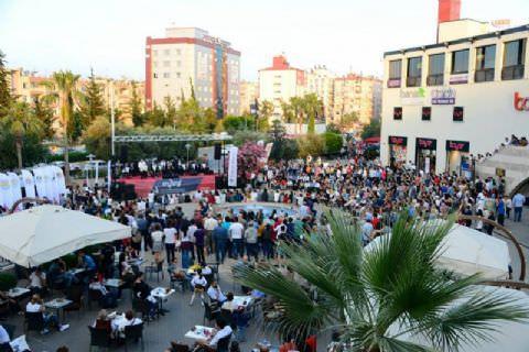 Hakan Aysev ve Mersin Büyükşehir Belediyesi Kent Orkestrası