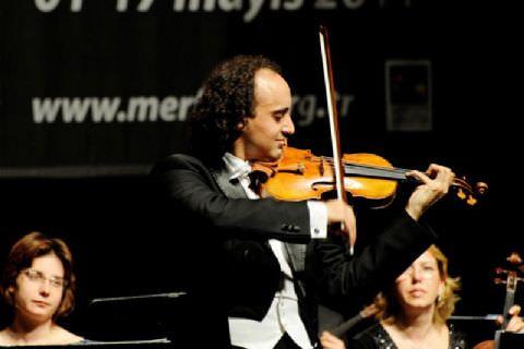 Kemanın Genç Starı Mario Hossen Mersin'li Sanatseverleri Büyüledi
