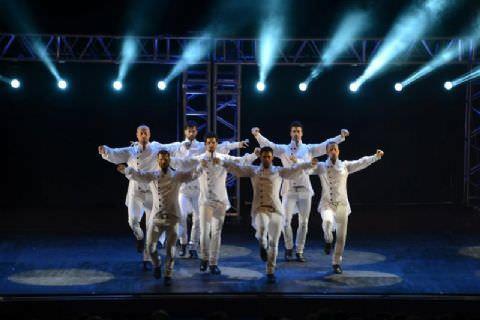 Los Vivancos'tan Mersin'de Muhteşem Gösteri