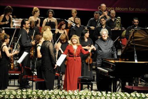 Mersin Uluslararası Müzik Festivali 'Ne Görkemli Açılış